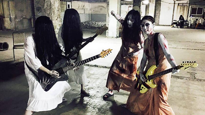 「聖飢魔Ⅱ」による映画「貞子VS伽椰子」主題歌、「呪いのシャ・ナ・ナ・ナ」のミュージックビデオに在校生が出演。
